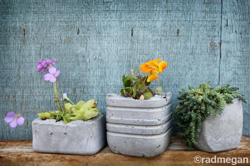 radmegan_molded_concrete_planters.jpg