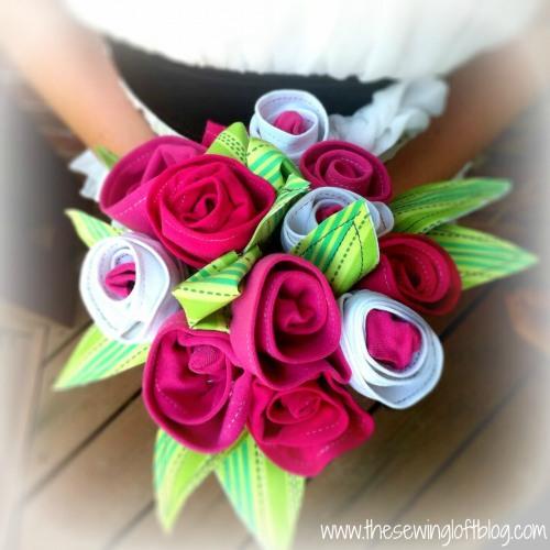 thesewingloftblog_t-shirt_roses.jpg