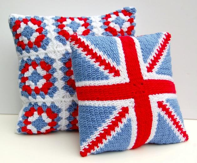 union_jack_crochet_pillows_flickr_roundup.jpg