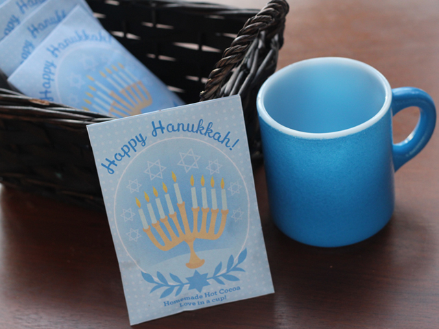 Homemade-Holiday-Hot-Cocoa-Pouches-9
