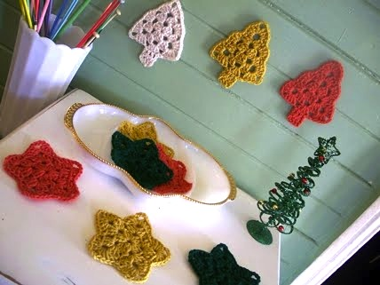 theroyalsisters_christmas_tree_granny_square