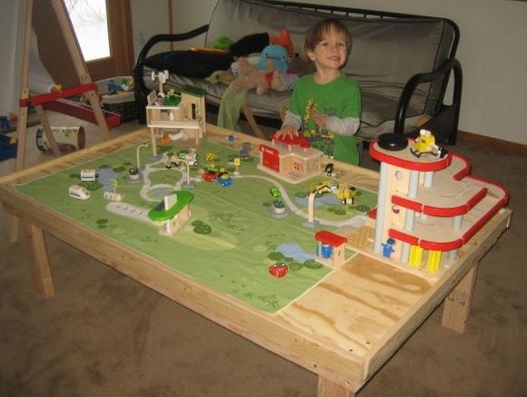 jasper_play_table