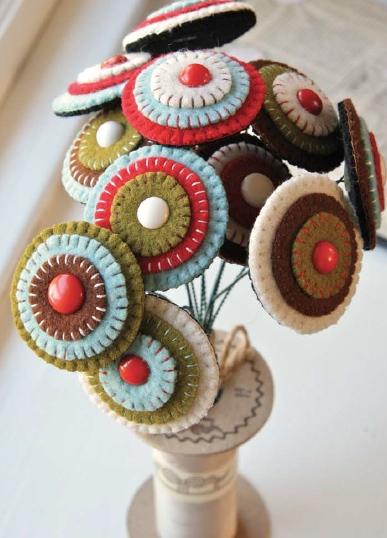 larkcrafts_penny_rug_bouquet