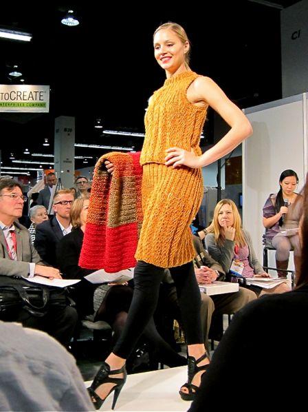 Lion_Brand_Yarn_Fashion_Show_2013_03a