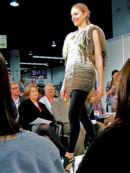 Lion_Brand_Yarn_Fashion_Show_2013_04a