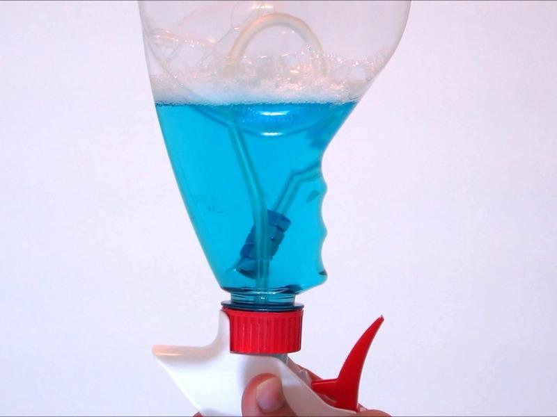 omnidirectional spray bottle nuts