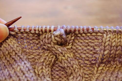 The_Holodeck_crochet_bobbles_in_knitting1