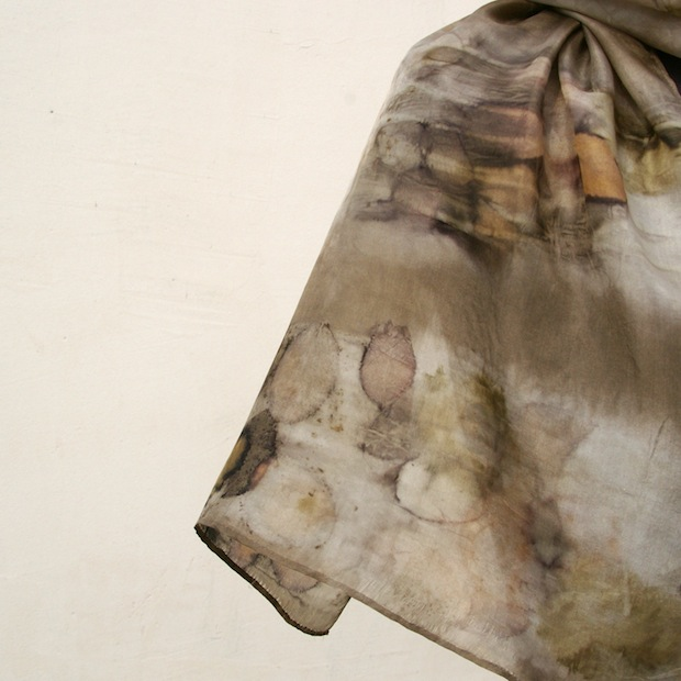 05_Silk_scarf_naturally_dyed_eco_print_flickr_roundup
