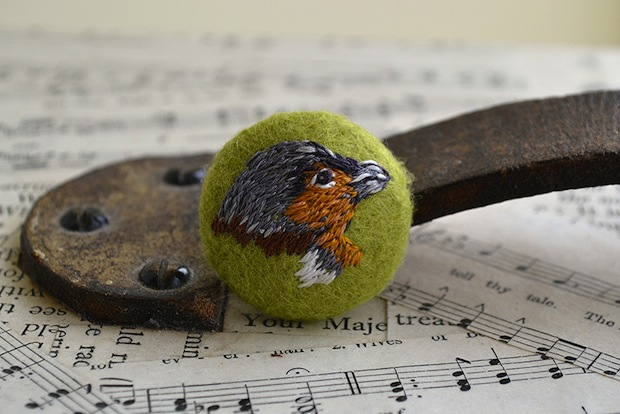 Chaffinch_Embroidered_Button_flickr_roundup