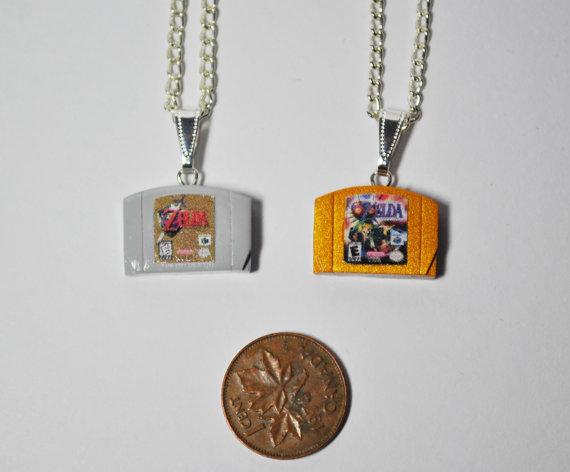 nintendo-cartidge-necklaces-1