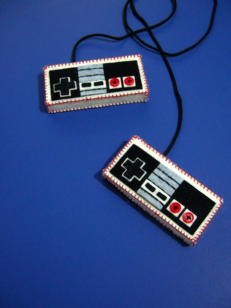 03_NES_controllers_flickr_roundup
