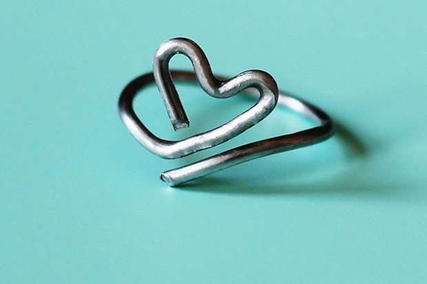 lanared_wire_heart_ring_01