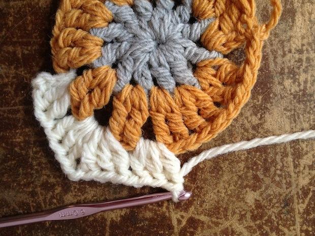 meetmeatmikes_10_minute_crocheted_hexagons_02