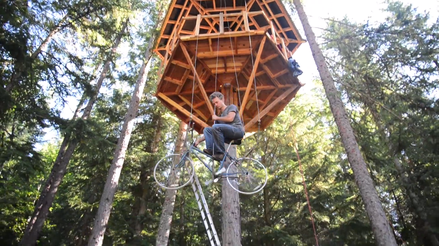 bicycle-powered treehouse elevator2