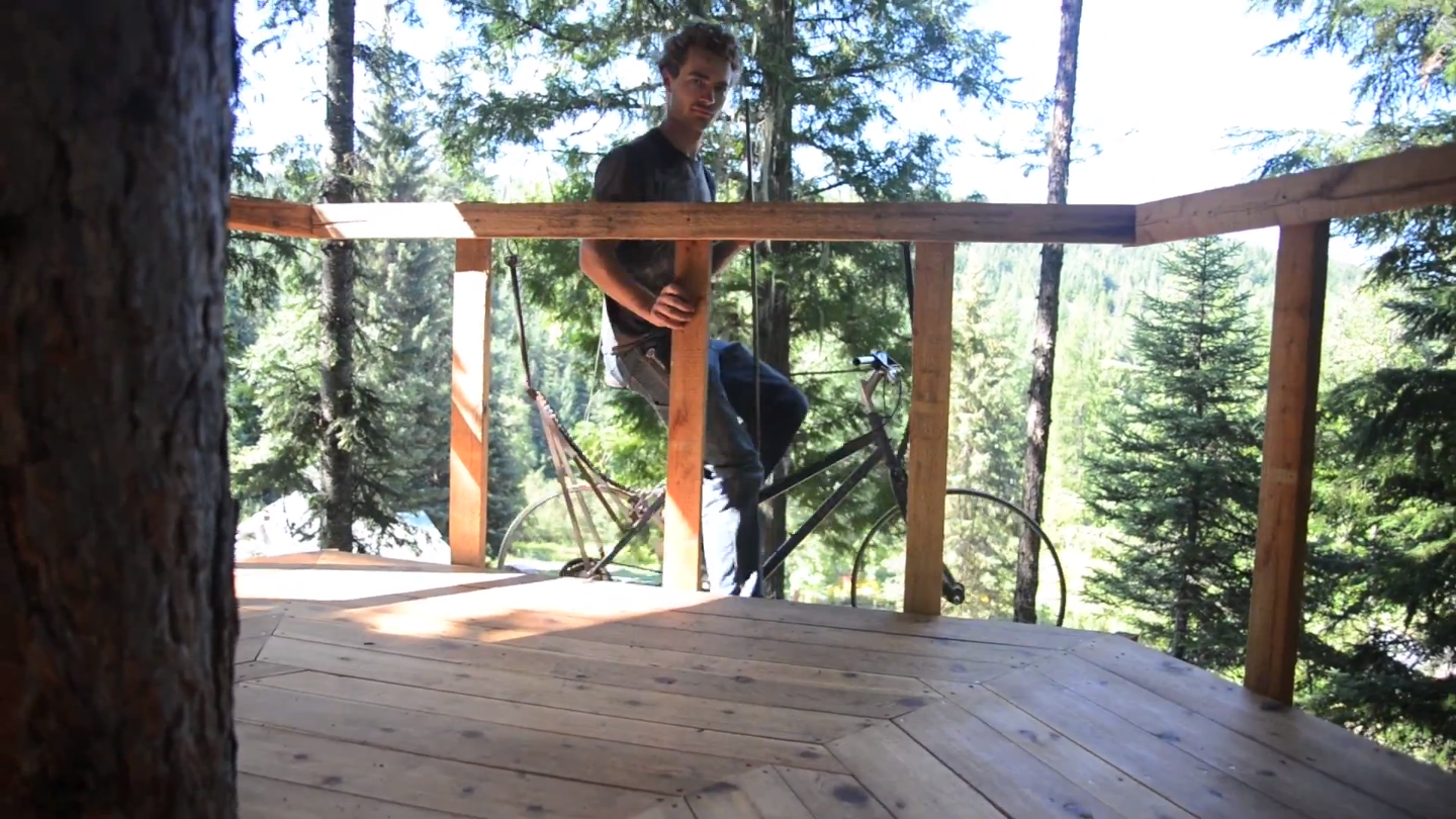 bicycle-powered treehouse elevator4