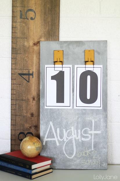 lollyjane_diy_chalkboard_calendar_01