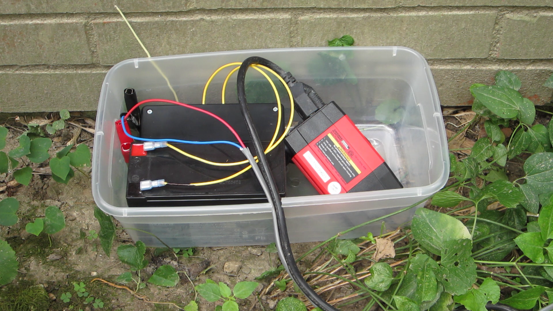 DIY Hacks & How To's: Arduino Controlled SolarFountain