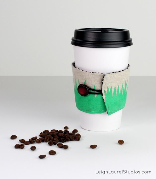 leighlaurelstudios_painted_coffee_sleeve_01