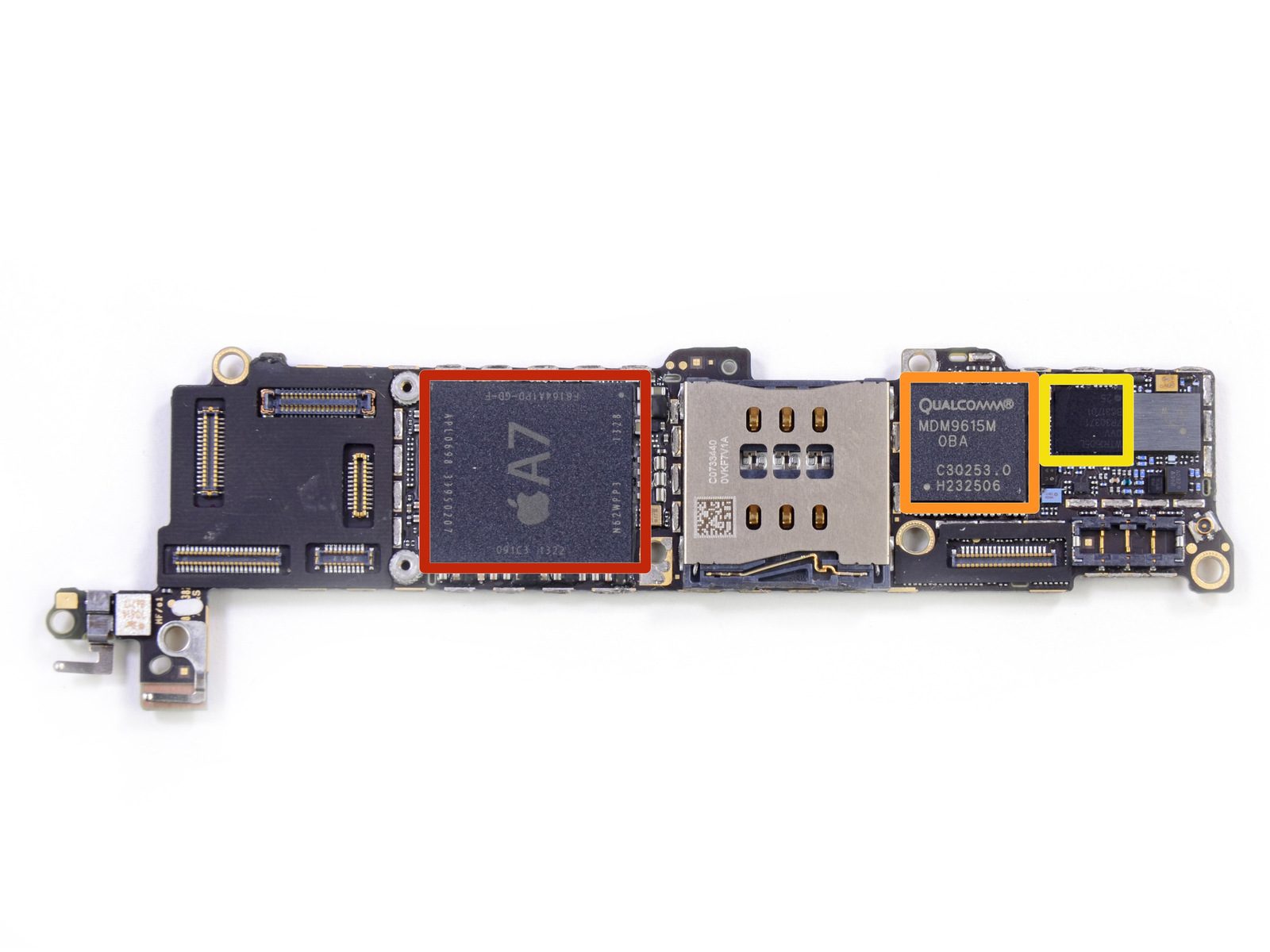Apple A7 APL0698 SoC (in red), Qualcomm MDM9615M LTE Modem (orange), and  Qualcomm WTR1605L LTE/HSPA+/CDMA2K/TDSCDMA/EDGE/GPS transceiver (yellow).