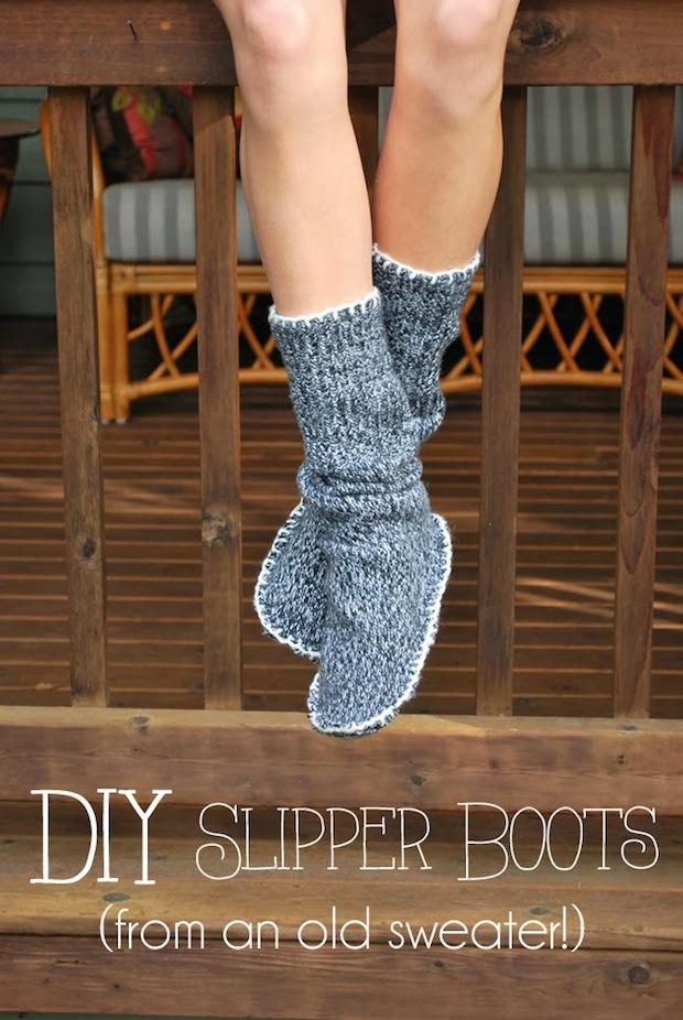 drawingsunderthetable_sweater_slippers_01