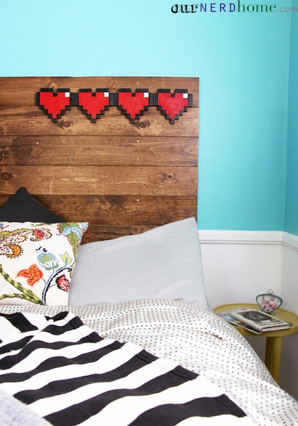 ournerdhome_8-bit_hearts_headboard_02