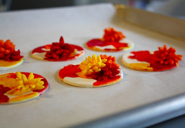 04_fall_cupcake_topper_flickr_roundup