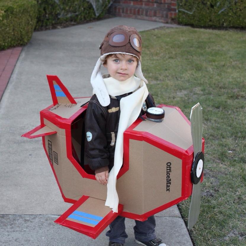 airplane halloween costume cardboard