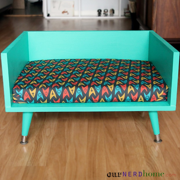 ournerdhome_pet_bed_02