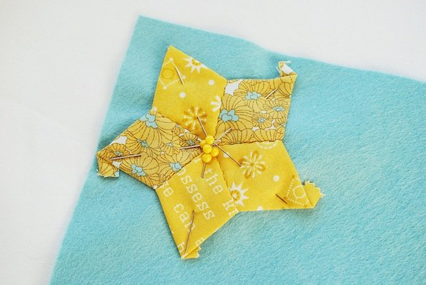 wildolive_quilted_star_ornament_02