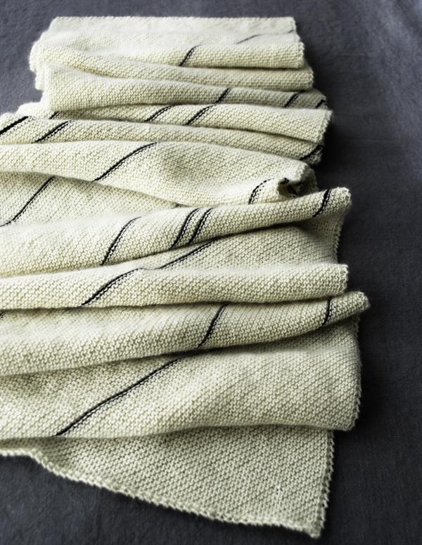 purlbee_diagonal_pinstripe_scarf_01