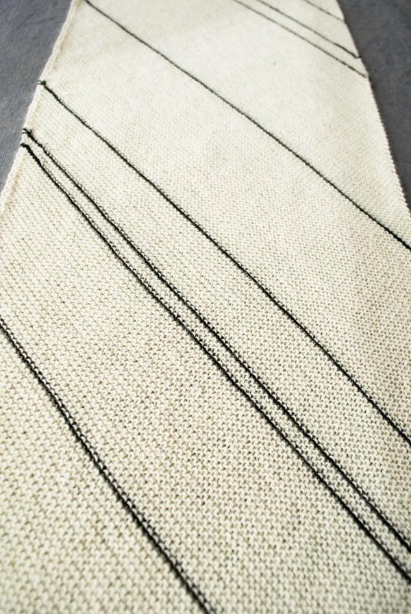 purlbee_diagonal_pinstripe_scarf_02
