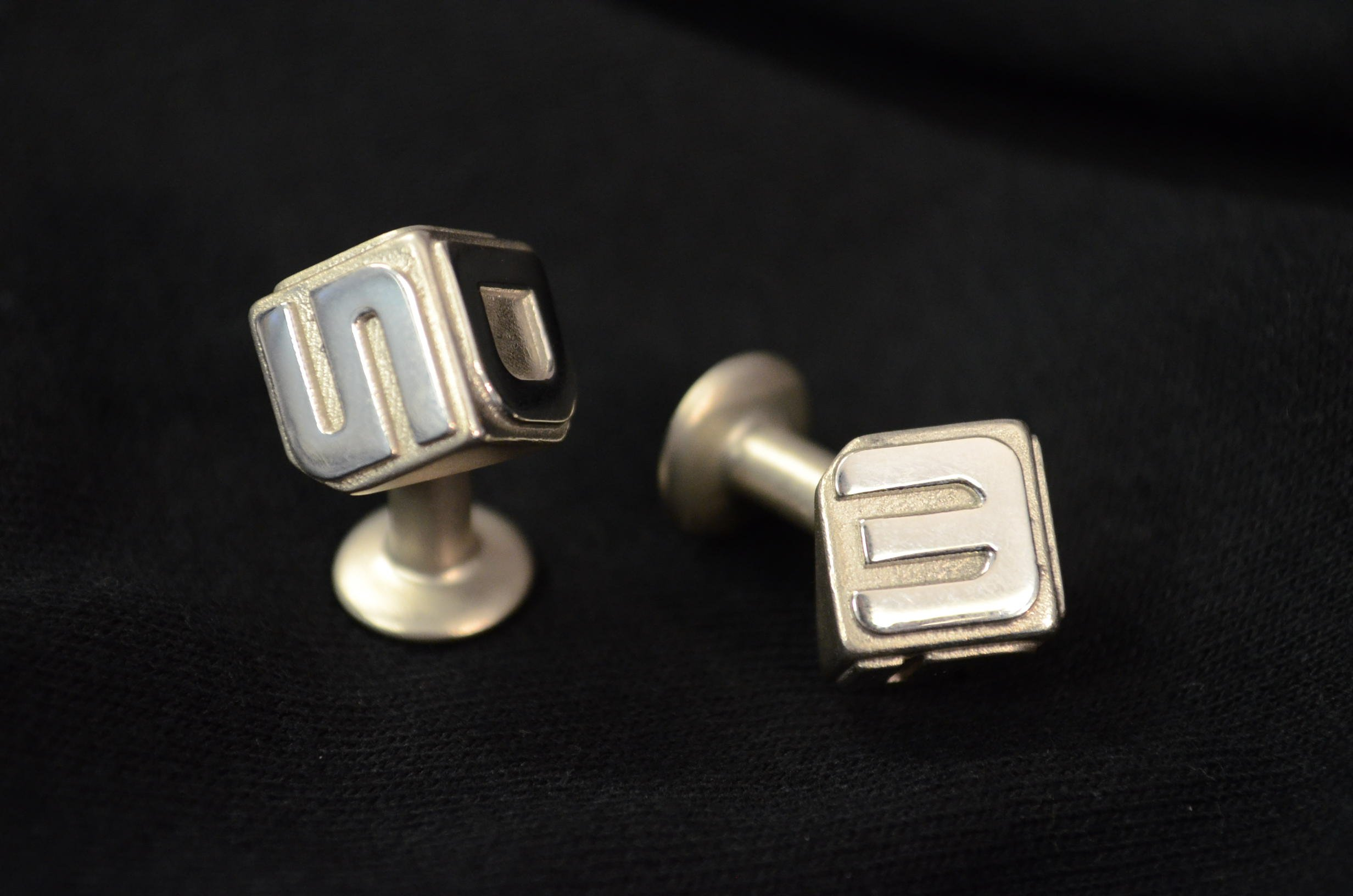 Finished 3D Systems cufflinks in sterling silver