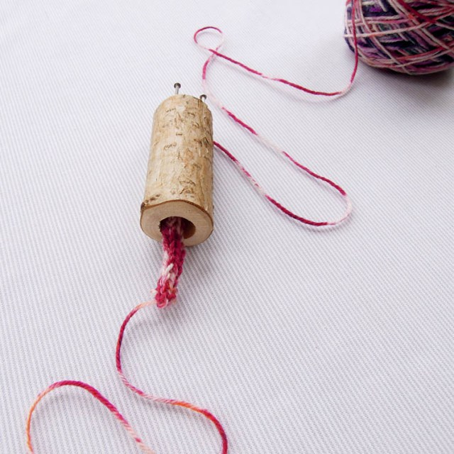 french-knitting-tutorial-2