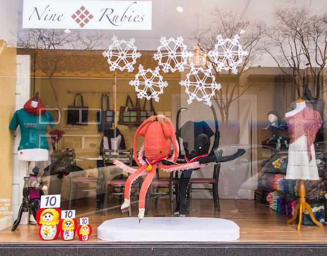 knit-window-display-winter-olympics