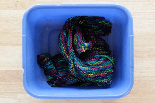 handsoccupied_set_yarn_color_01