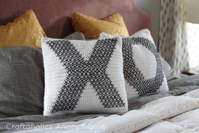 persialou_cross-stitch_crochet_pillows