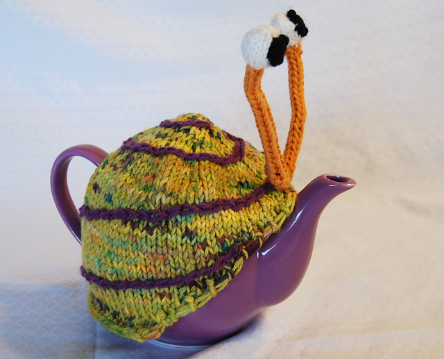 snail-tea-cosy-2