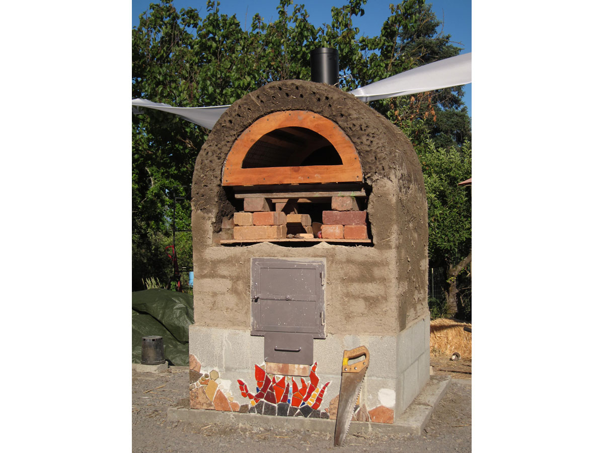 Build the Perfect Backyard Wood-Fired Pizza Oven