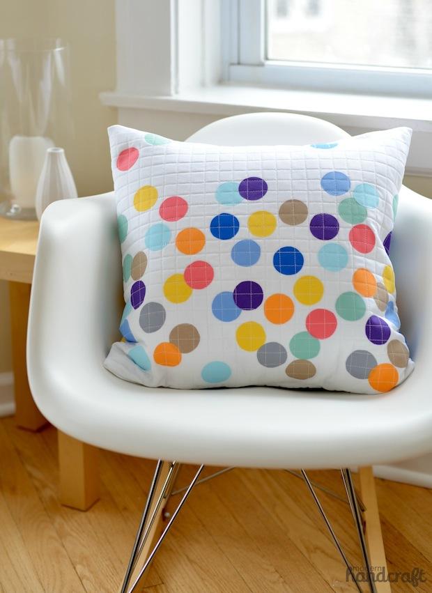 modernhandcraft_confetti_pillow_01