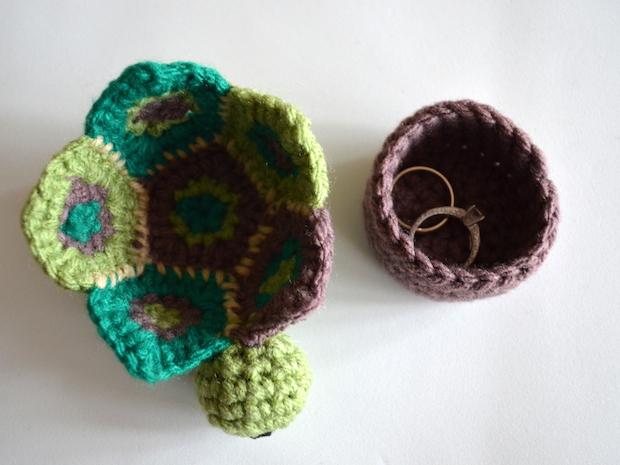 popsdemilk_crocheted_turtle_box_02