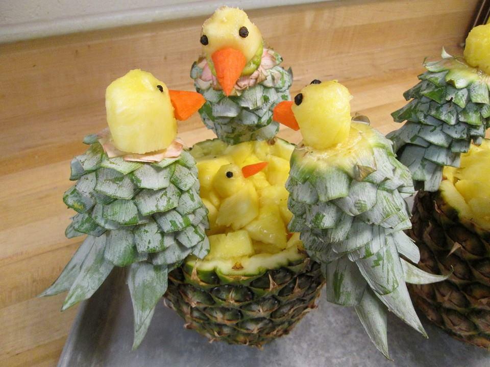 spring-themed-fruit-sculptures-1