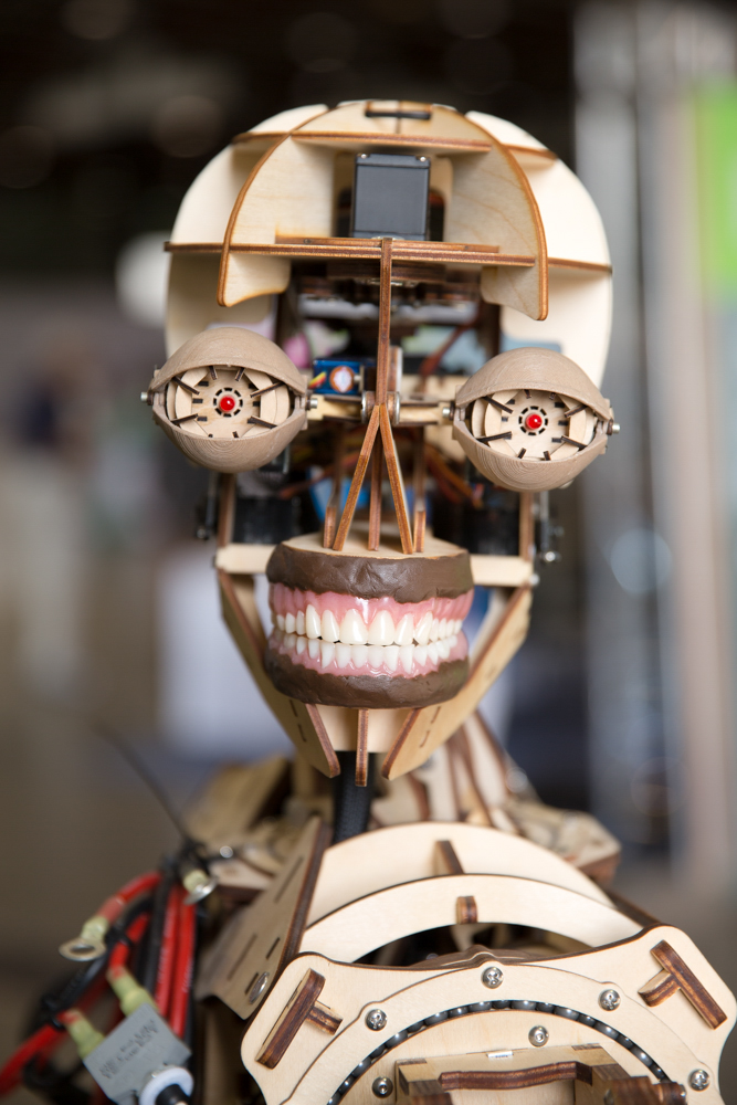 Roy the Robot welcomes people to Maker Faire — and tells a really bad Star Wars joke.