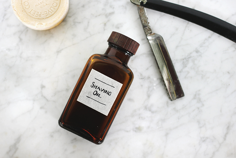 themerrythought_shaving_oil_01