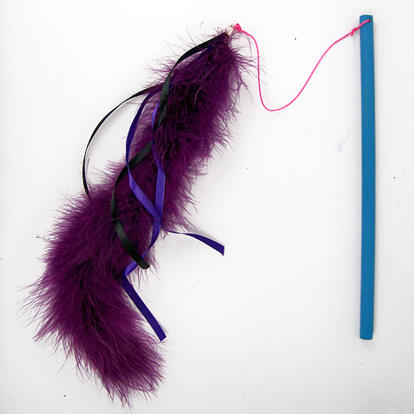 dreamalittlebigger_feather_cat_toy_02