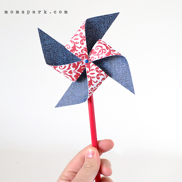 momspark_fourth_of_july_pinwheels_01
