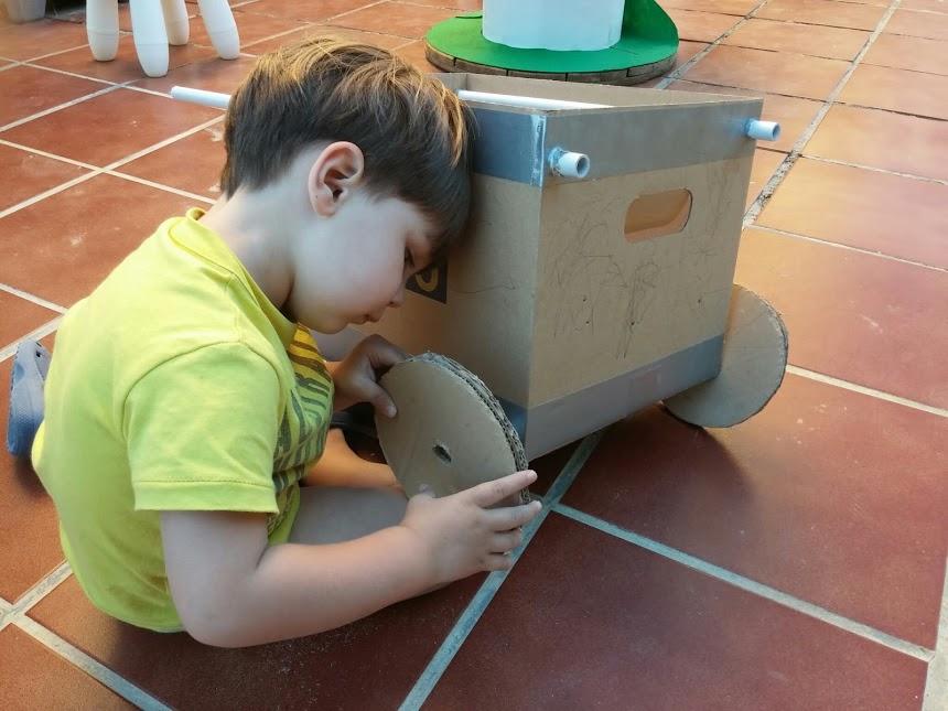 cardboard wheelbarrow4