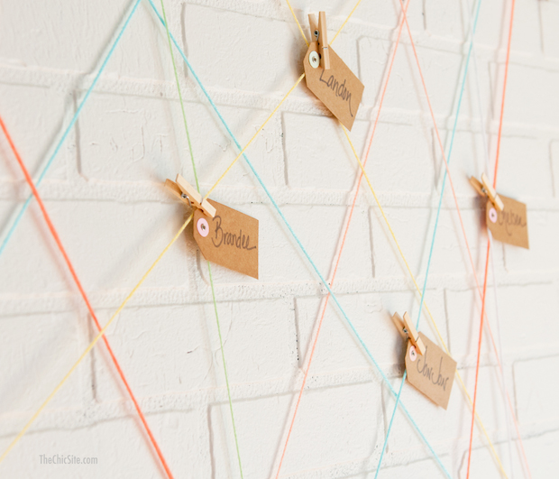 thechicsite_yarn_ball_escort_card_display_02