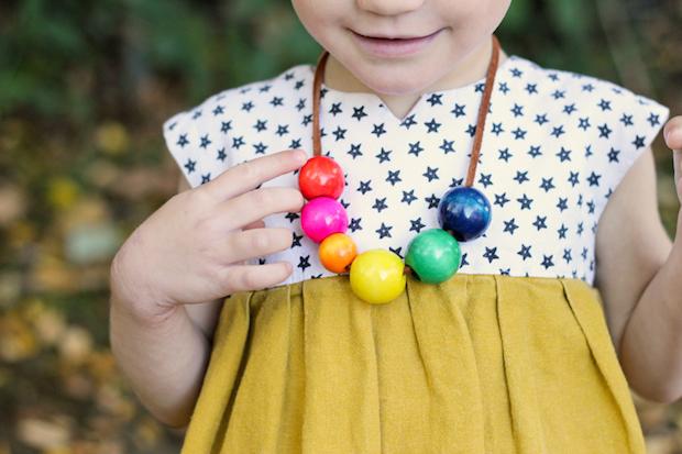 deliacreates_toddler_necklace_01