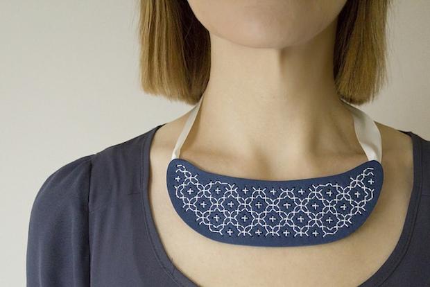 eskimimimakes_sashiko_embroidery_necklace_01