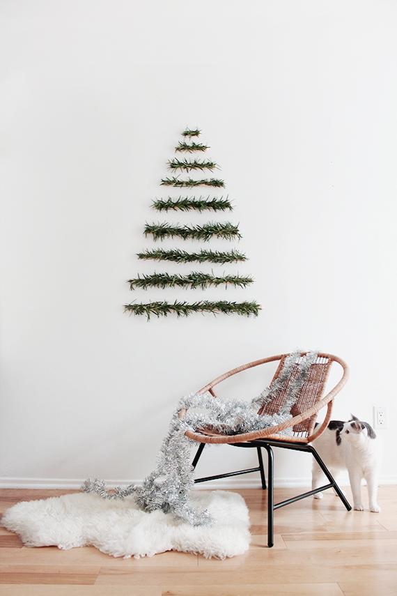 modern-wall-hanging-christmas-tree-1